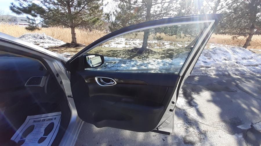 Used Nissan Sentra 4dr Sdn I4 CVT SR 2014 | Wonderland Auto. Revere, Massachusetts