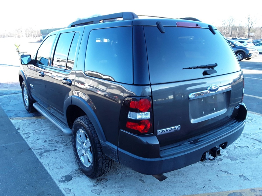 Used Ford Explorer 4WD 4dr V8 XLT 2007   Rubber Bros Auto World. Brooklyn, New York