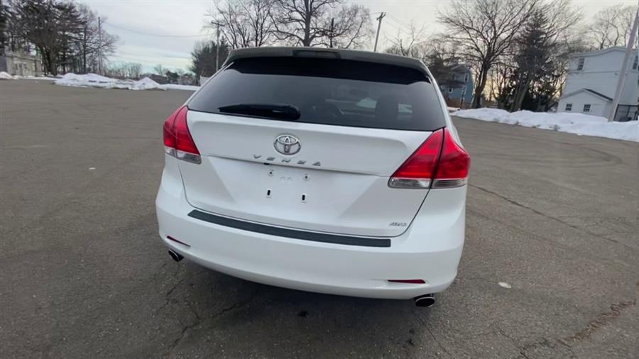 Used Toyota Venza 4dr Wgn V6 AWD 2010 | Wiz Leasing Inc. Stratford, Connecticut