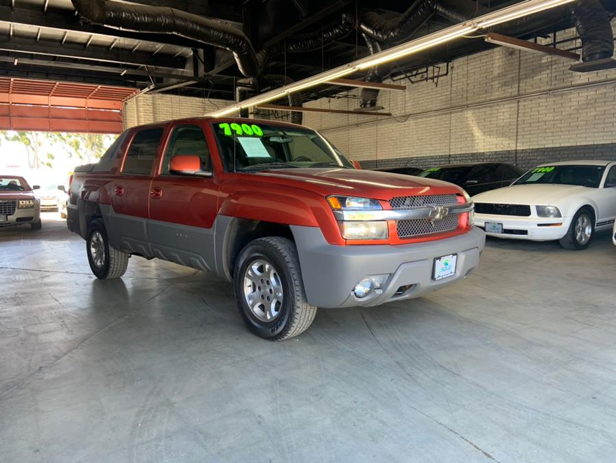 Used 2002 Chevrolet Avalanche in Garden Grove, California | U Save Auto Auction. Garden Grove, California