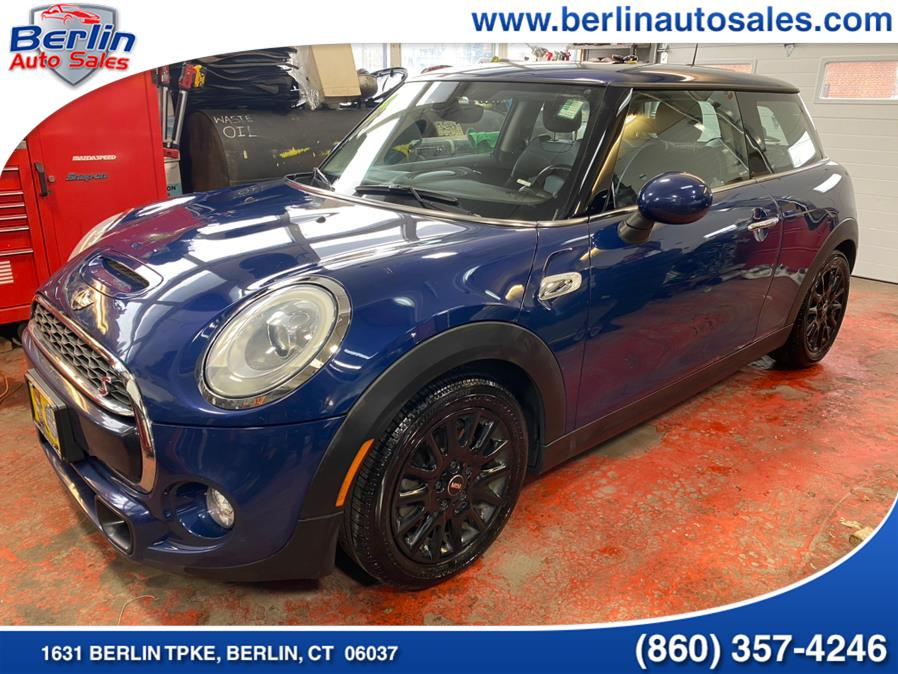 Used 2014 MINI Cooper Hardtop in Berlin, Connecticut | Berlin Auto Sales LLC. Berlin, Connecticut