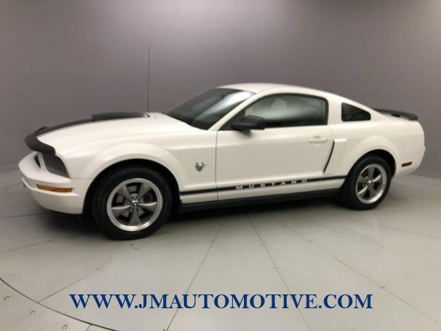 Used 2009 Ford Mustang in Naugatuck, Connecticut | J&M Automotive Sls&Svc LLC. Naugatuck, Connecticut