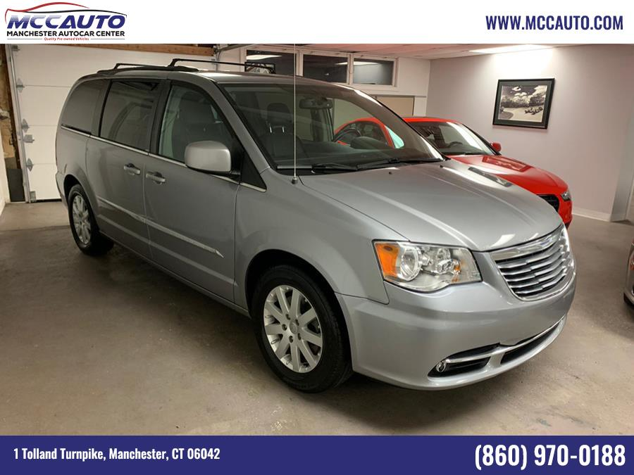 Used 2014 Chrysler Town & Country in Manchester, Connecticut | Manchester Autocar Center. Manchester, Connecticut