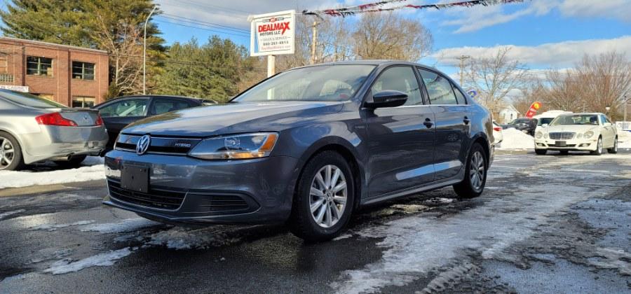 Used 2013 Volkswagen Jetta Sedan in Bristol, Connecticut | Dealmax Motors LLC. Bristol, Connecticut