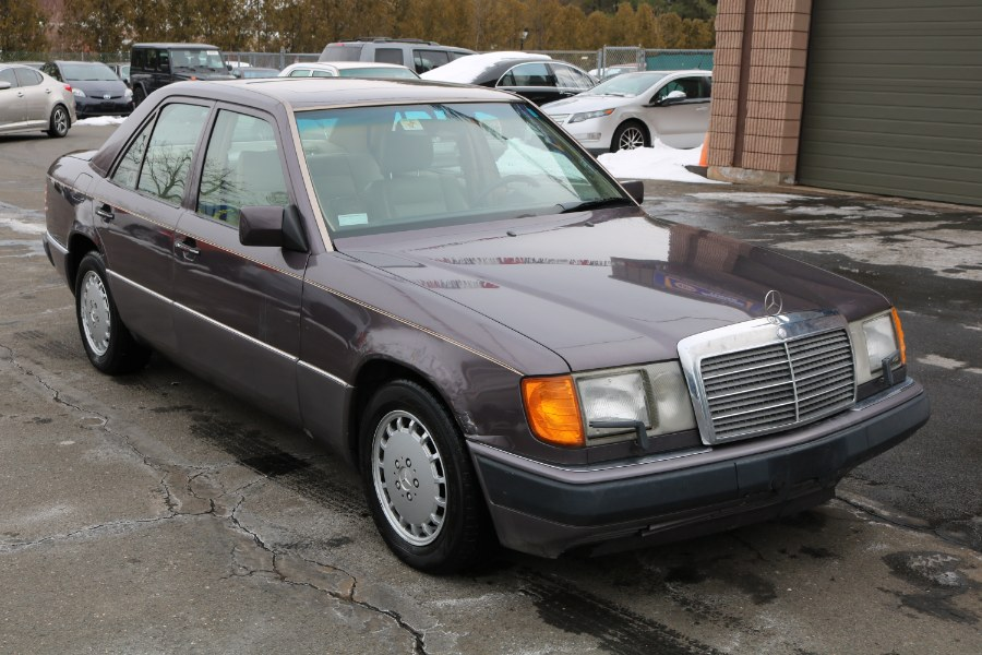 Used Mercedes-Benz 300 Series 4dr Sedan 300E Auto 1991 | Dealmax Motors LLC. Bristol, Connecticut