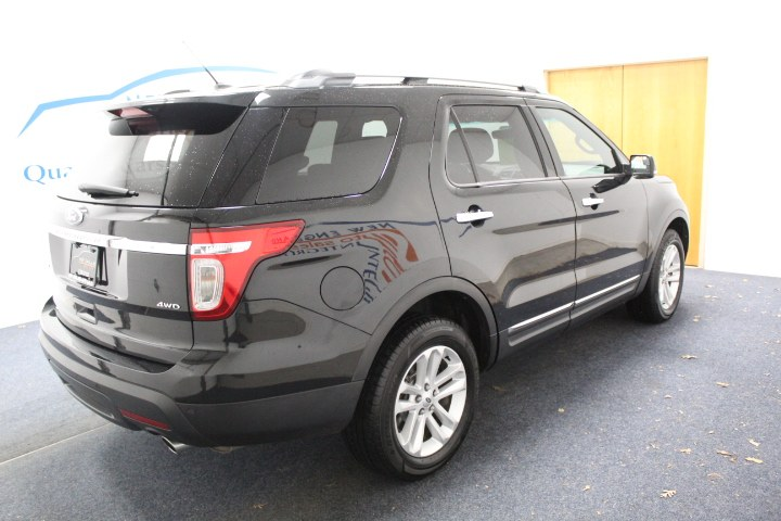 Used Ford Explorer 4WD 4dr XLT 2013 | New England Auto Sales LLC. Plainville, Connecticut