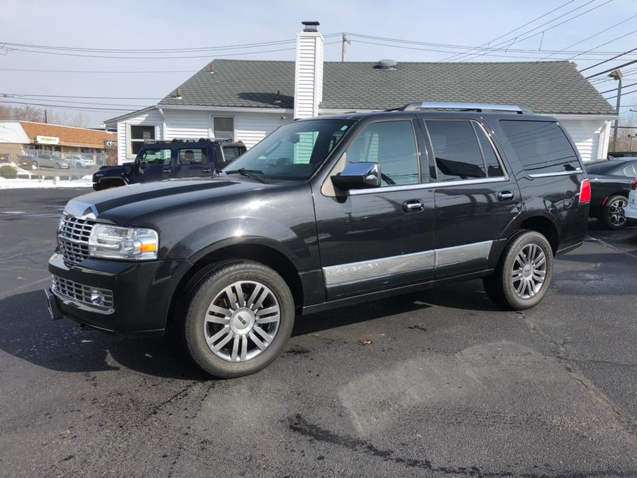 Used 2012 Lincoln Navigator in Milford, Connecticut | Chip's Auto Sales Inc. Milford, Connecticut