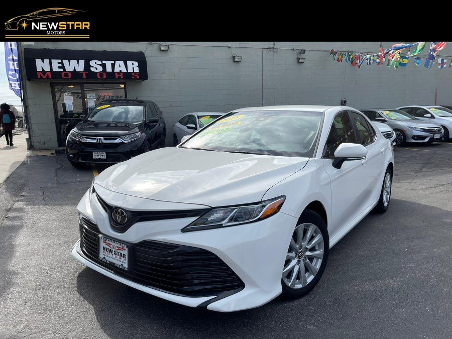 Used 2018 Toyota Camry in Chelsea, Massachusetts | New Star Motors. Chelsea, Massachusetts