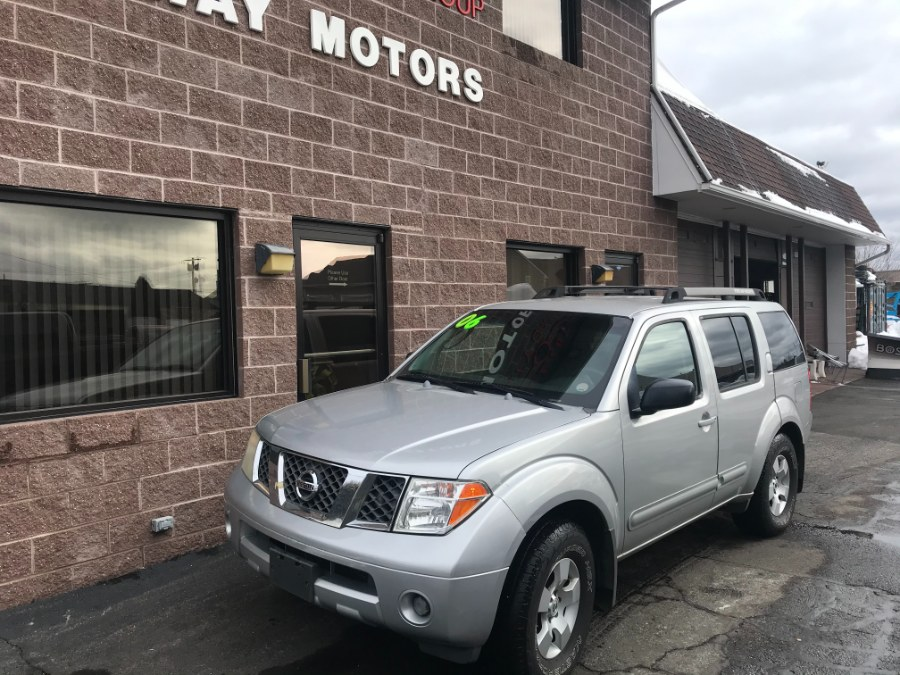 Used 2006 Nissan Pathfinder in Bridgeport, Connecticut | Airway Motors. Bridgeport, Connecticut