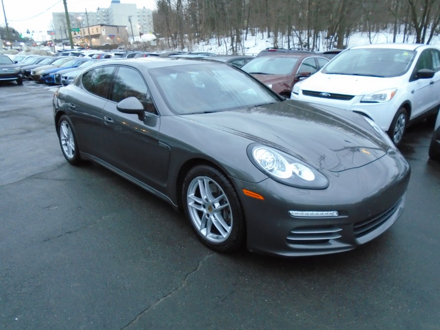 Used 2016 Porsche Panamera in Waterbury, Connecticut | Jim Juliani Motors. Waterbury, Connecticut