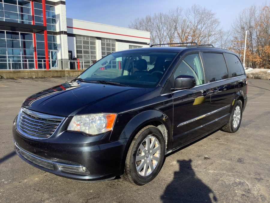 Used Chrysler Town & Country 4dr Wgn Touring 2013 | Marsh Auto Sales LLC. Ortonville, Michigan