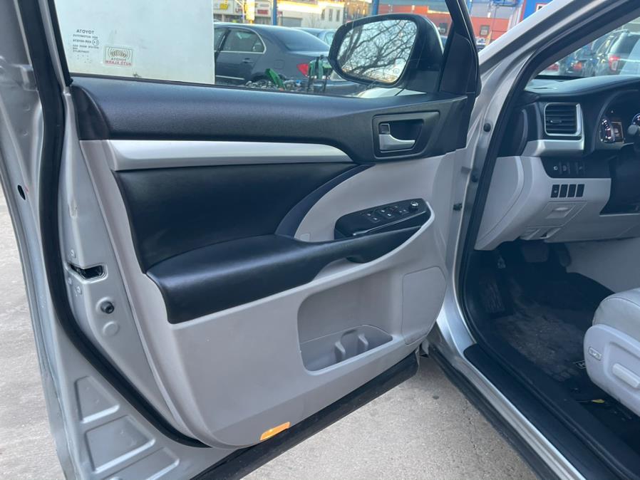 Used Toyota Highlander XLE V6 AWD (Natl) 2017 | Brooklyn Auto Mall LLC. Brooklyn, New York