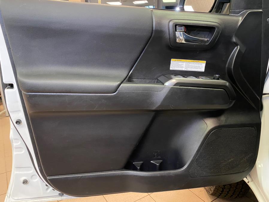 Used Toyota Tacoma 4WD TRD Off Road Double Cab 5'' Bed V6 MT (Natl) 2020 | POWER MOTORS EAST. Massapequa Park, New York