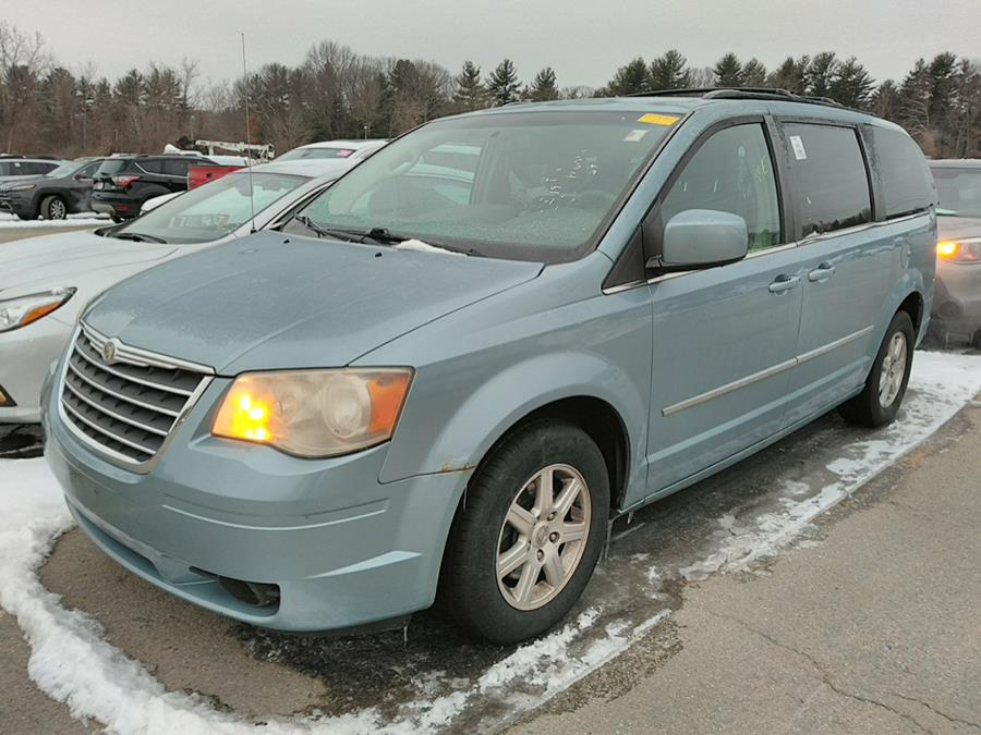Used 2010 Chrysler Town & Country in Brooklyn, New York | Atlantic Used Car Sales. Brooklyn, New York