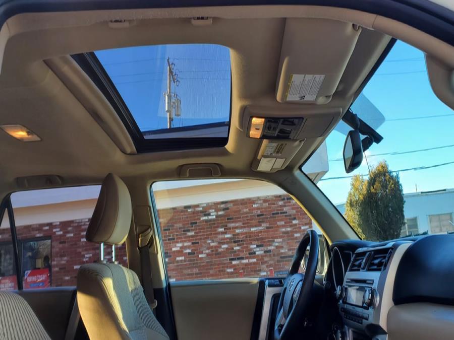 Used Toyota 4Runner 4WD 4dr V6 SR5 (Natl) 2010 | Capital Lease and Finance. Brockton, Massachusetts