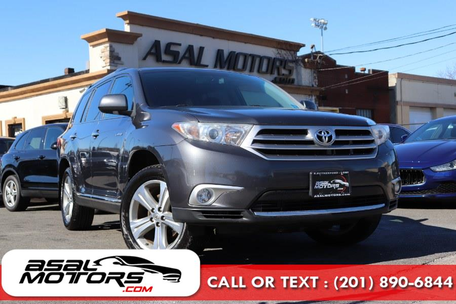 Used 2013 Toyota Highlander in East Rutherford, New Jersey | Asal Motors. East Rutherford, New Jersey