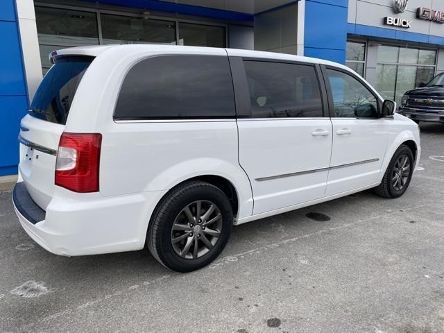 Used Chrysler Town & Country S 2015 | Sullivan Automotive Group. Avon, Connecticut