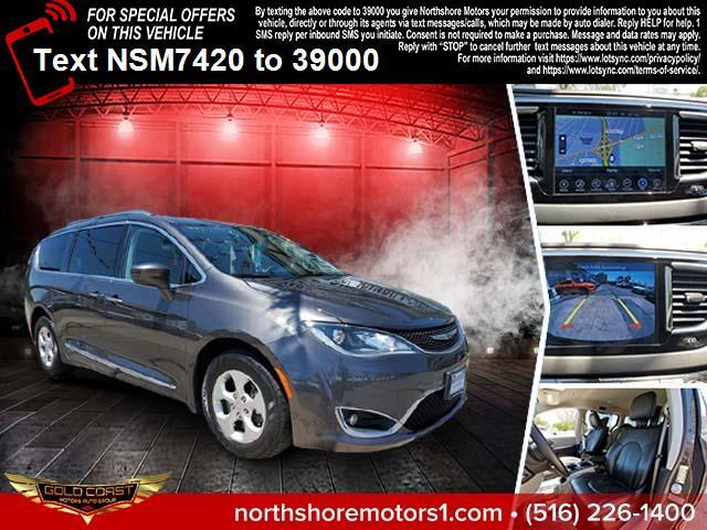 Used Chrysler Pacifica Touring-L Plus FWD 2017   Sunrise Auto Outlet. Amityville, New York