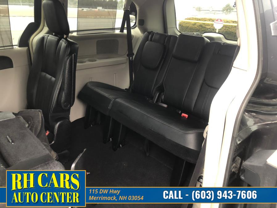 Used Chrysler Town & Country Touring 2016   RH Cars LLC. Merrimack, New Hampshire