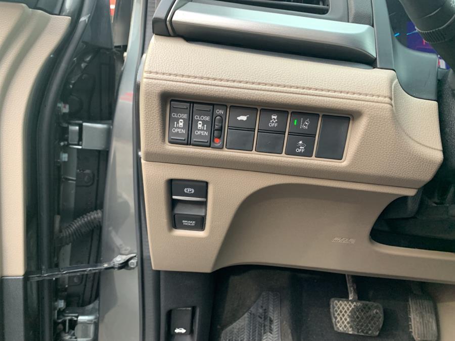 Used Honda Odyssey EX-L w/Navi/RES Auto 2018 | Champion Auto Sales Of The Bronx. Bronx, New York