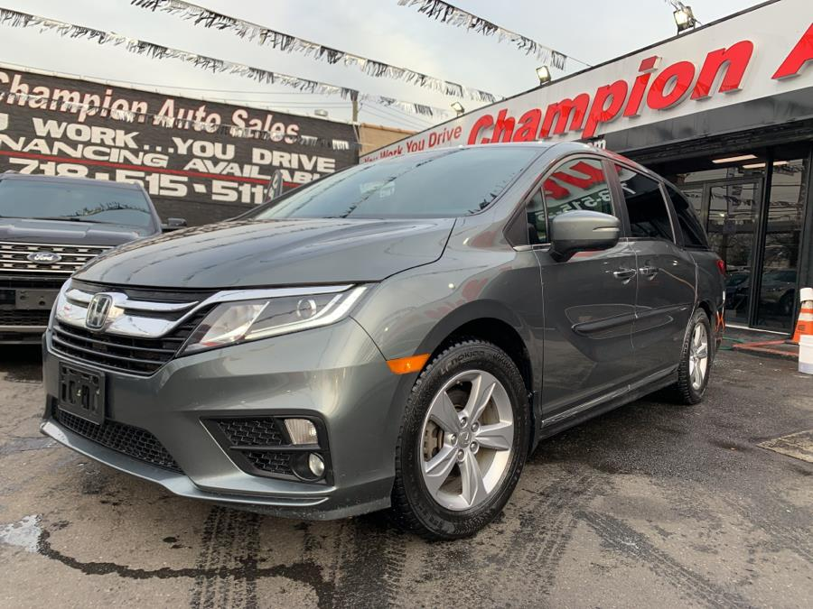 Used 2018 Honda Odyssey in Bronx, New York | Champion Auto Sales Of The Bronx. Bronx, New York