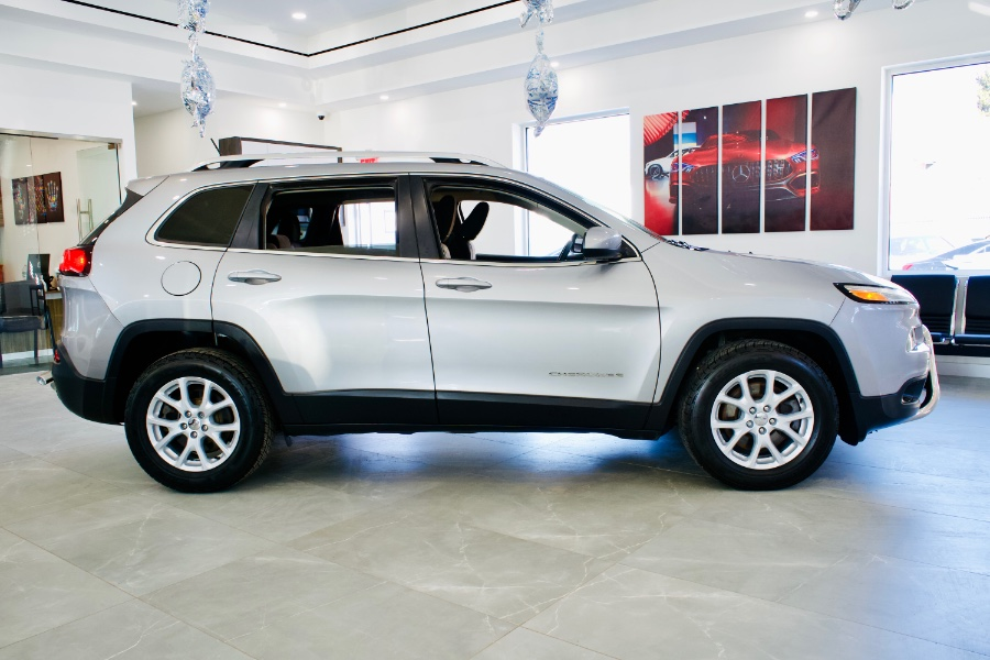 Used Jeep Cherokee Latitude 4x4 2017   C Rich Cars. Franklin Square, New York