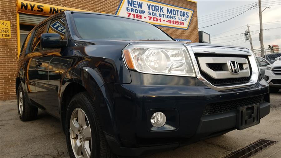Used 2011 Honda Pilot in Bronx, New York | New York Motors Group Solutions LLC. Bronx, New York