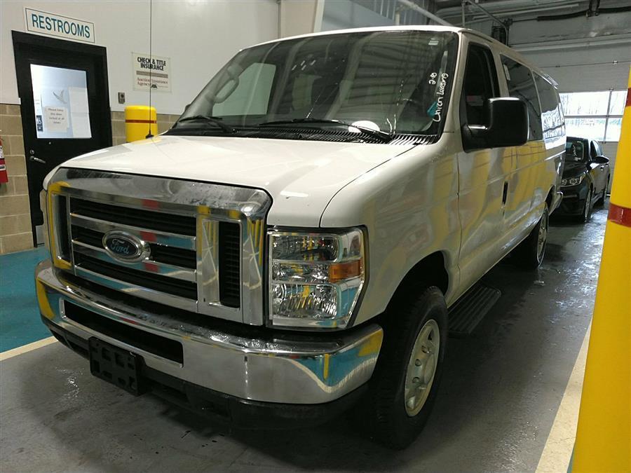 Used Ford Econoline Wagon E-350 Super Duty Ext XLT 2012 | Raymonds Cars Inc. Corona, New York