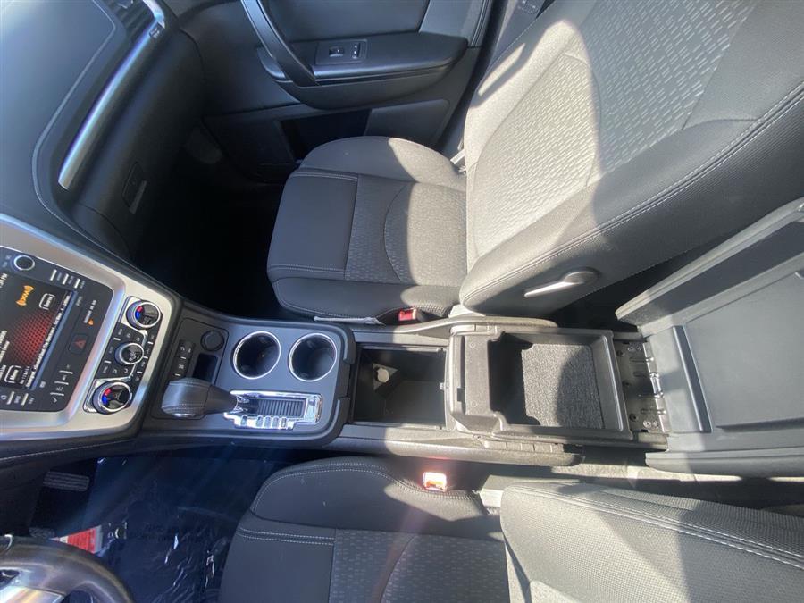 Used GMC Acadia AWD 4dr SLE2 2014 | Wiz Leasing Inc. Stratford, Connecticut