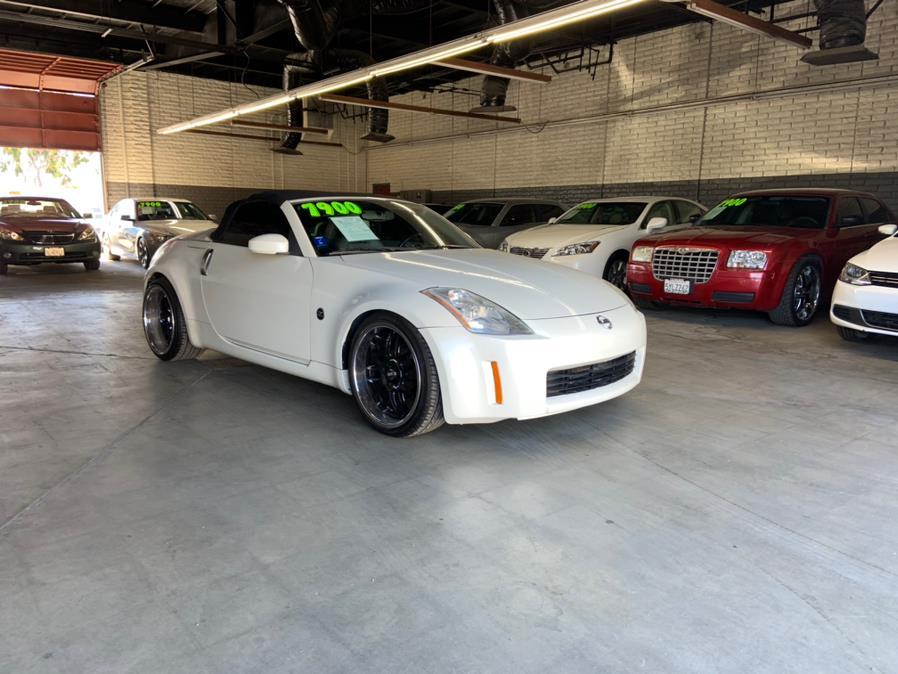Used 2005 Nissan 350Z in Garden Grove, California | U Save Auto Auction. Garden Grove, California