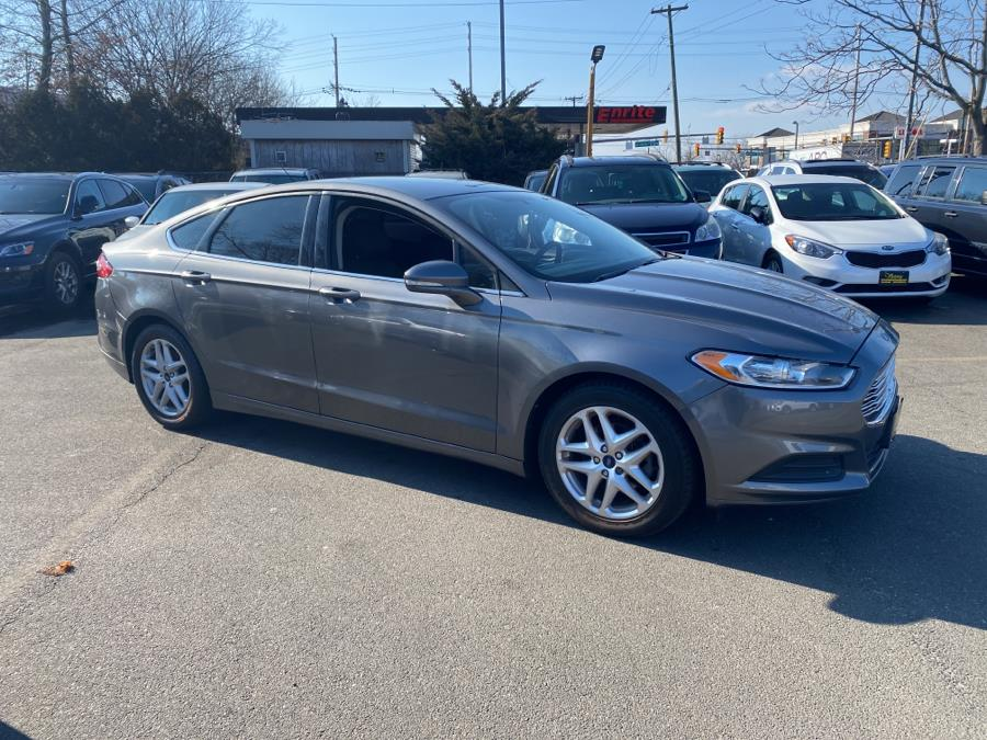 Used Ford Fusion 4dr Sdn SE FWD 2014 | Victoria Preowned Autos Inc. Little Ferry, New Jersey