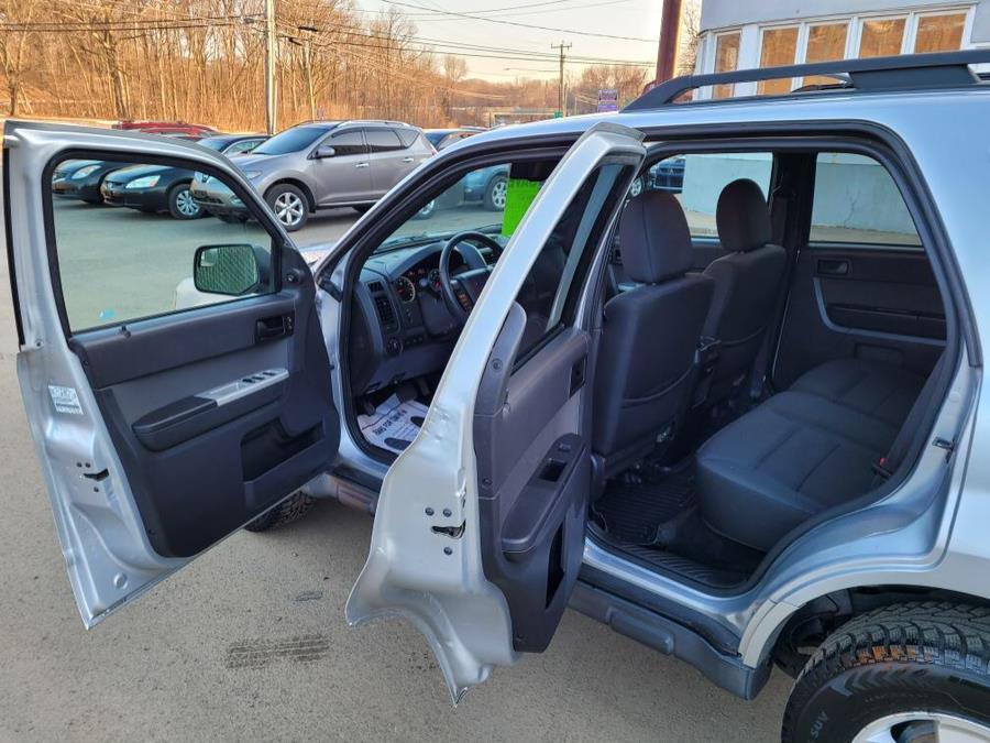 Used Ford Escape FWD 4dr XLT 2011 | Cos Central Auto. Meriden, Connecticut