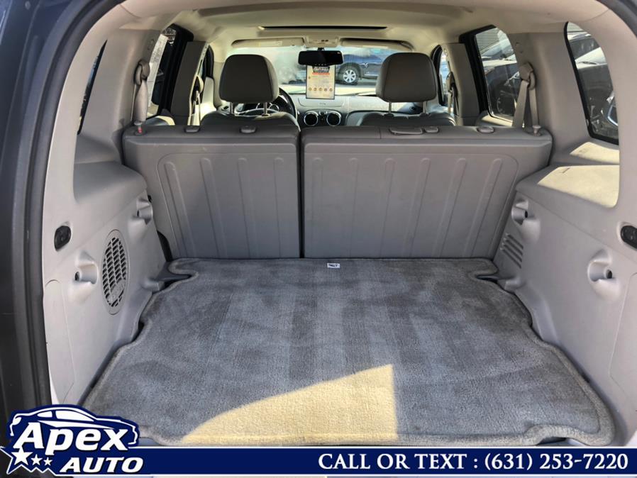 Used Chevrolet HHR FWD 4dr LT w/2LT 2010   Apex Auto. Selden, New York