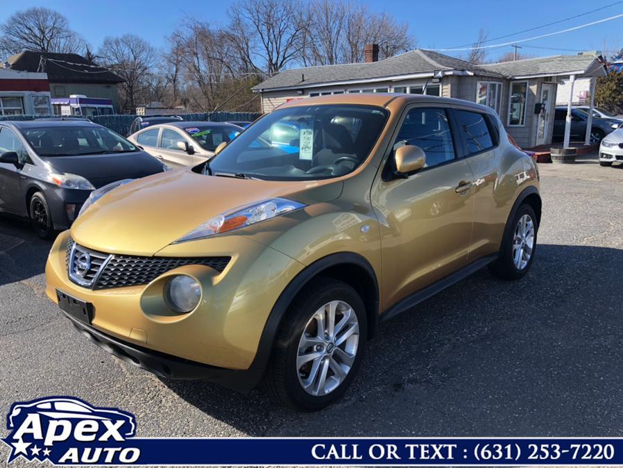 Used 2013 Nissan JUKE in Selden, New York | Apex Auto. Selden, New York