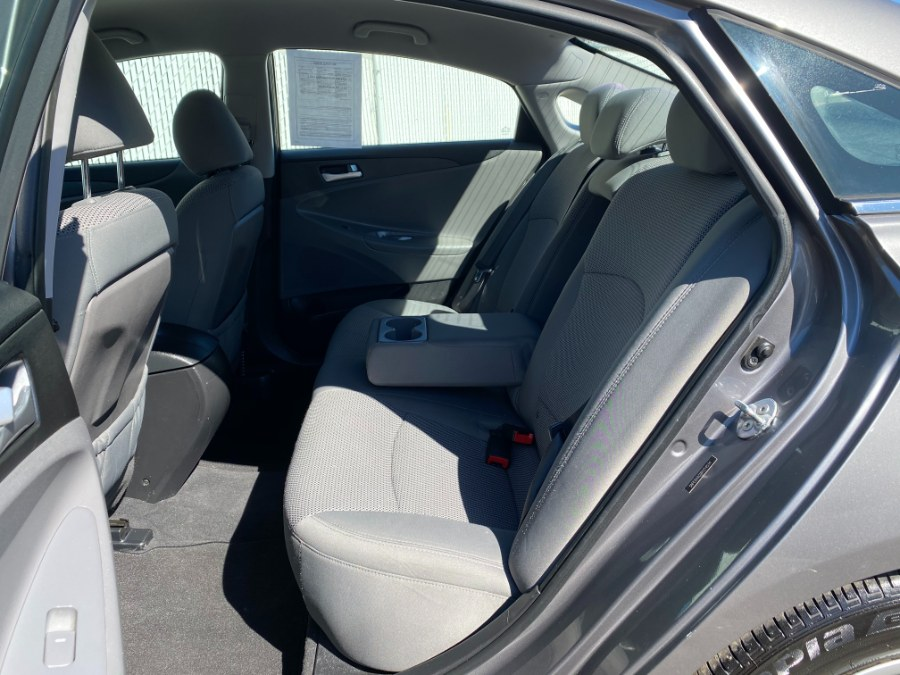 Used Hyundai Sonata 4dr Sdn 2.4L Auto GLS PZEV 2011 | Carmatch NY. Bayshore, New York
