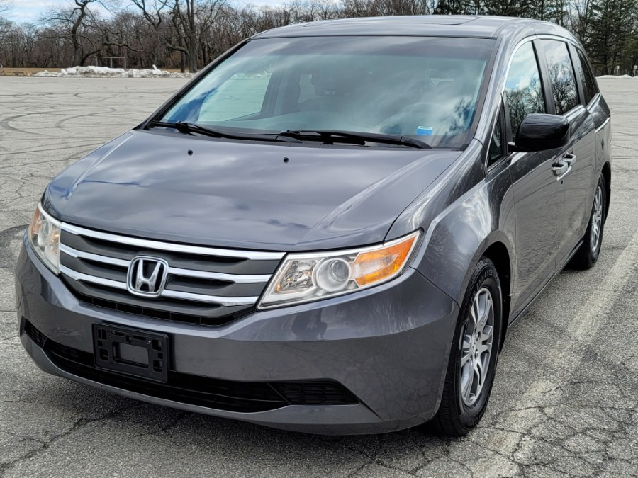 2011 Honda Odyssey EX-L  w/Leather,Sunroof Rear Seat Entertainment.,Back Up Camera, available for sale in Queens, NY