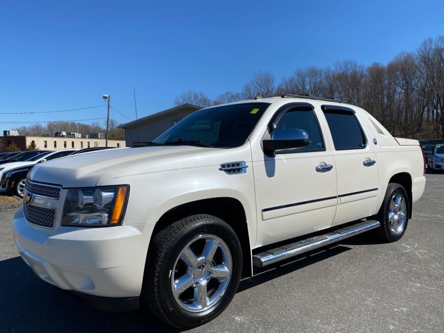 Used 2013 Chevrolet Avalanche in Berlin, Connecticut | Tru Auto Mall. Berlin, Connecticut