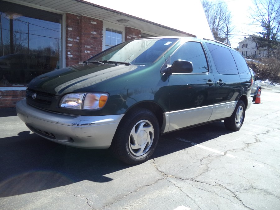 Used 2000 Toyota Sienna in Naugatuck, Connecticut | Riverside Motorcars, LLC. Naugatuck, Connecticut