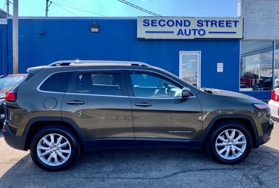 Used 2015 Jeep Cherokee in Manchester, New Hampshire | Second Street Auto Sales Inc. Manchester, New Hampshire