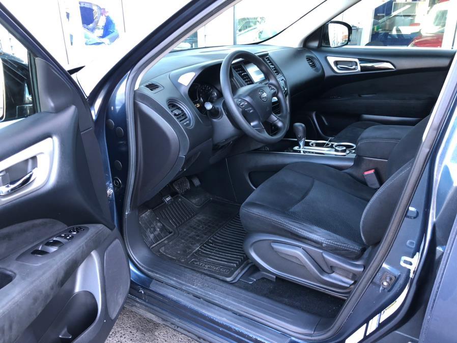 Used Nissan Pathfinder 4WD 4dr S 2014 | Chris's Auto Clinic. Plainville, Connecticut