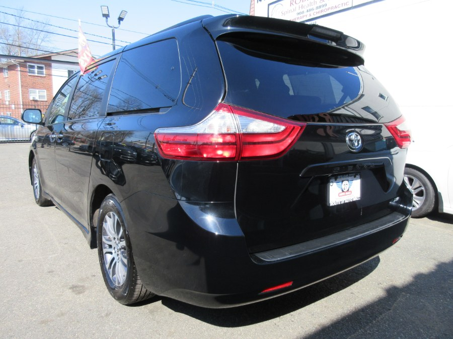 Used Toyota Sienna XLE FWD 8-Passenger (Natl) 2019   Route 27 Auto Mall. Linden, New Jersey
