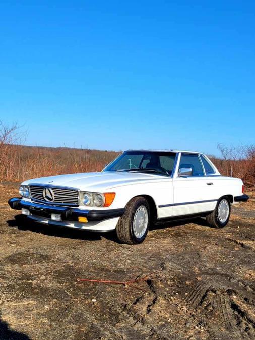 Used Mercedes-Benz 560 SL Convertible 1988 | Tony's Auto Sales. Waterbury, Connecticut