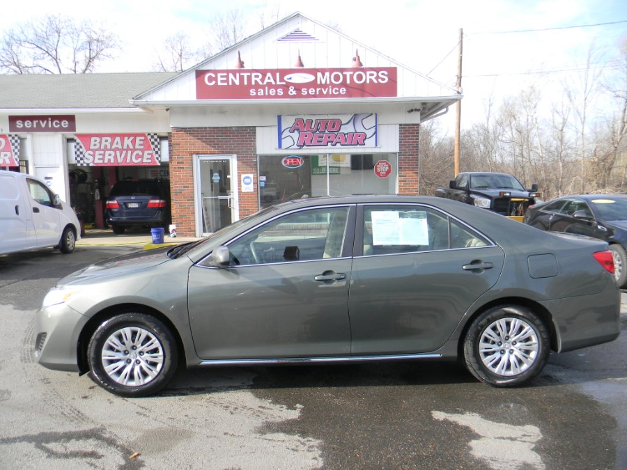 Used Toyota Camry 4dr Sdn I4 Auto LE (Natl) 2012 | M&M Vehicles Inc dba Central Motors. Southborough, Massachusetts