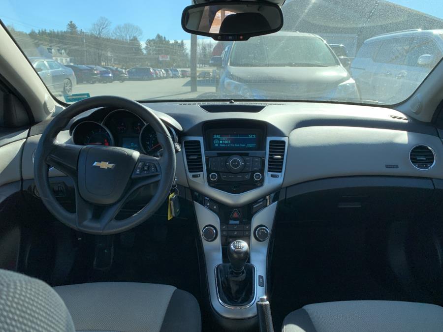 Used Chevrolet Cruze 4dr Sdn LS 2012   Pray's Auto Sales . Bangor , Maine