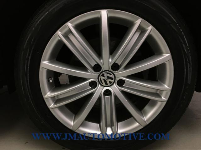 Used Volkswagen Tiguan AWD 4dr SEL 2010 | J&M Automotive Sls&Svc LLC. Naugatuck, Connecticut