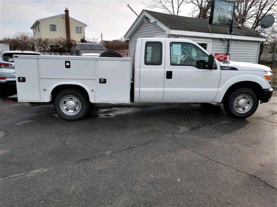 Used 2015 Ford F250 SUPERCAB UTILITY BODY in COPIAGUE, New York | Warwick Auto Sales Inc. COPIAGUE, New York