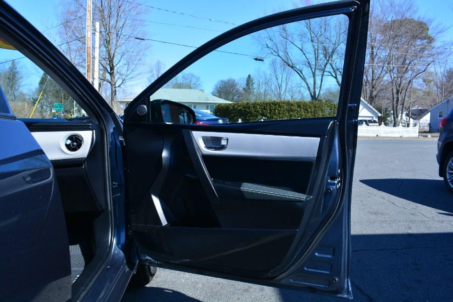 Used Toyota Corolla LE CVT (Natl) 2018   Longmeadow Motor Cars. ENFIELD, Connecticut