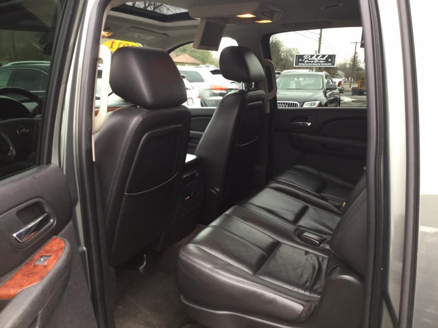 Used Chevrolet Suburban 4WD 4dr 1500 LT 2011 | L&S Automotive LLC. Plantsville, Connecticut