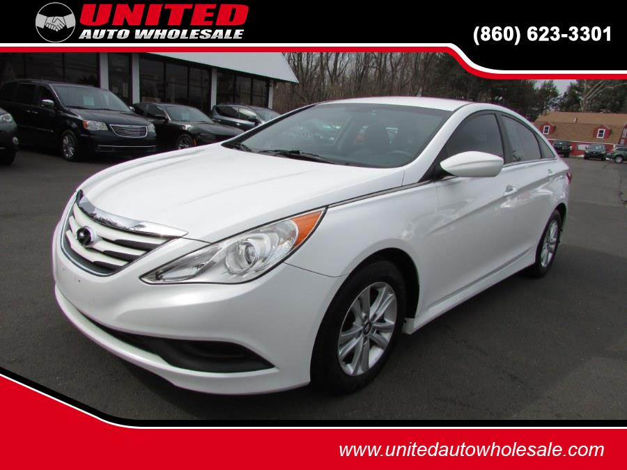 Used 2014 Hyundai Sonata in East Windsor, Connecticut | United Auto Sales of E Windsor, Inc. East Windsor, Connecticut