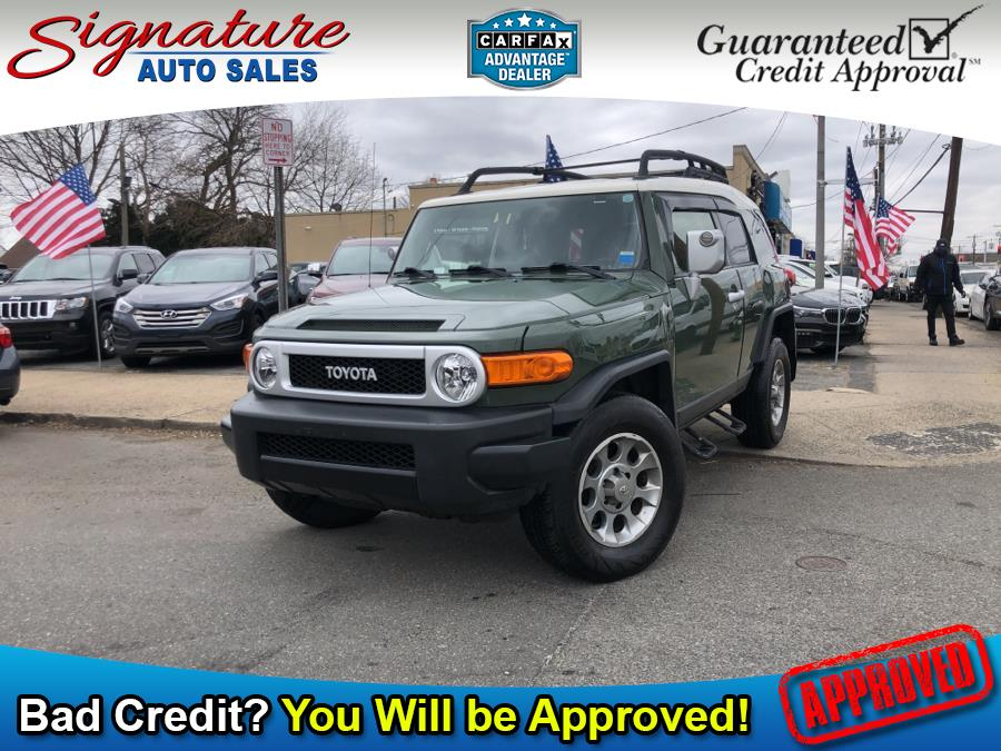 Used 2013 Toyota FJ Cruiser in Franklin Square, New York | Signature Auto Sales. Franklin Square, New York